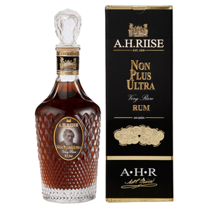 A.H. Riise Non Plus Ultra 0.70L GB